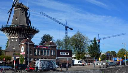 Brouwerij 't IJ in front of the city's biggest windmill