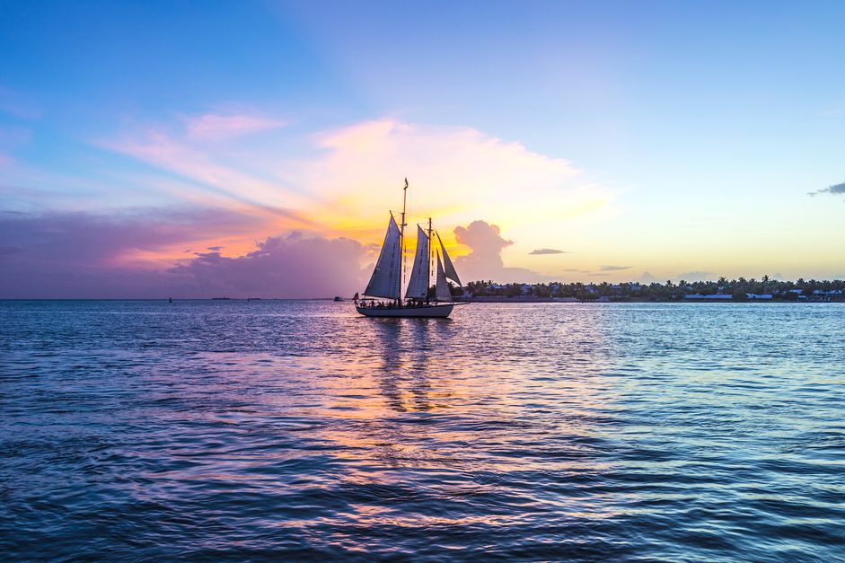 sunset sailboat key west