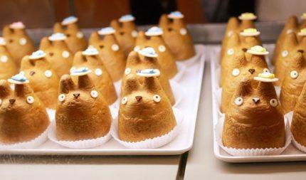 Totoro cream puffs at Shirohige Cream Puff Factory