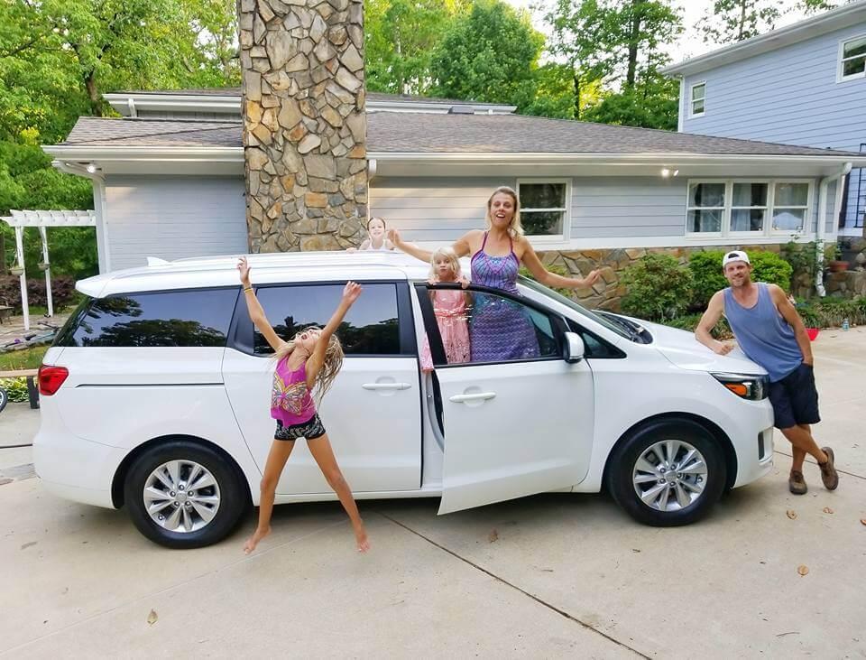 USA road trip mini van