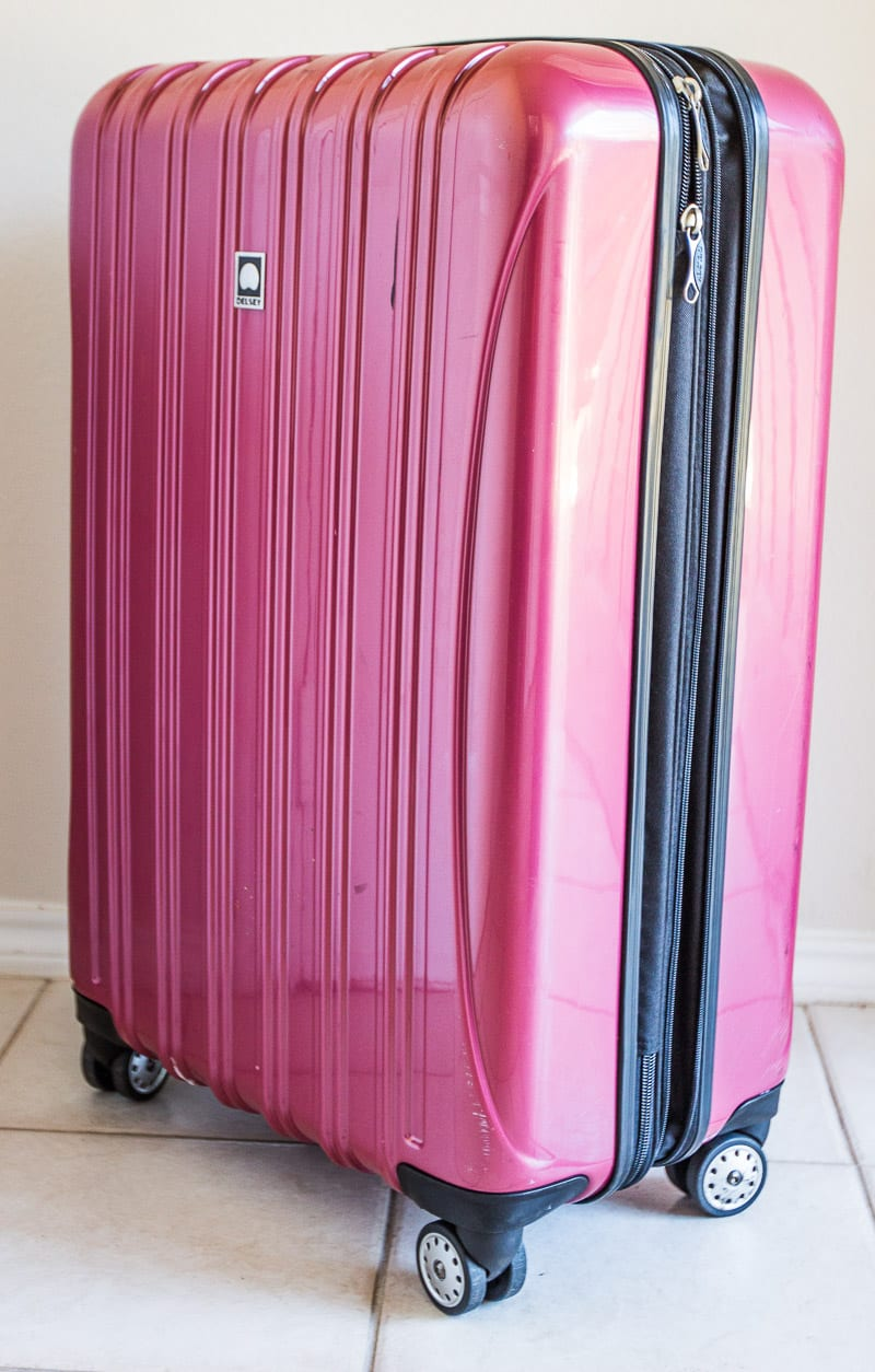 29 inch Delsey Suitcase review - why it's my new favorite luggage.