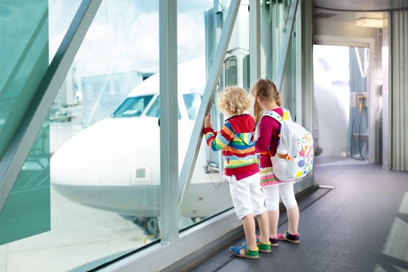tips for flying with kids (800 x 533)