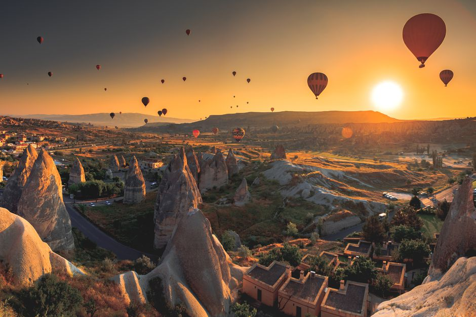 The Most Beautiful Hot Air Balloon Rides in the World! - 12