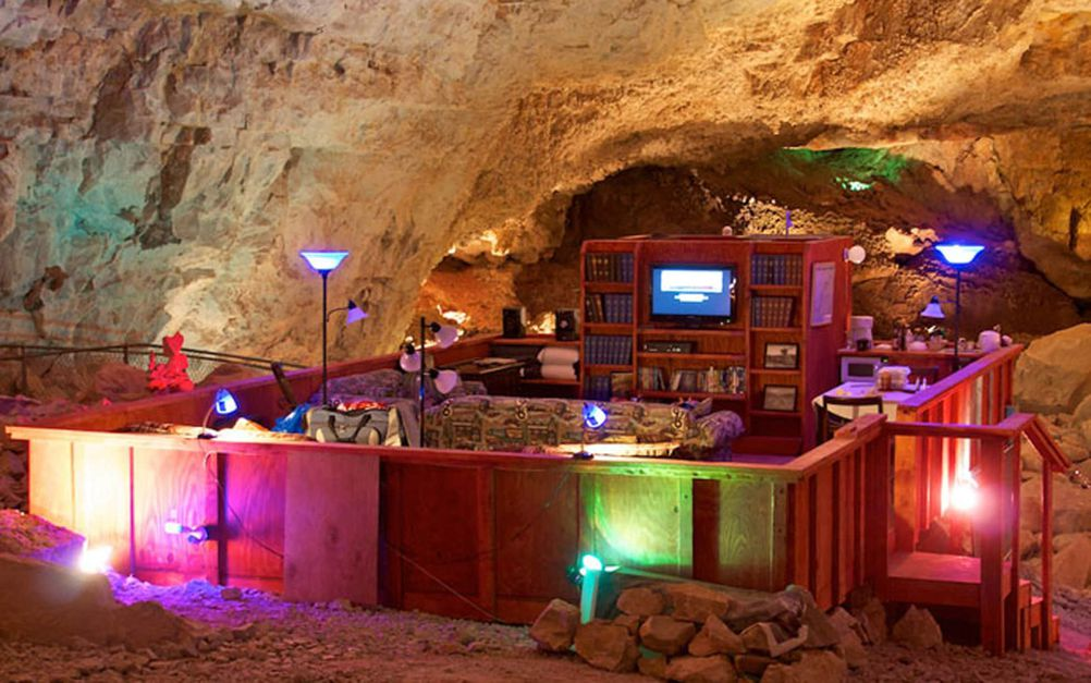 Check out the Oldest, Largest, Deepest Underground Motel Room in the World! - 4