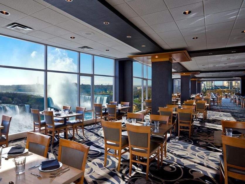 Niagara Falls Sheraton Price Drop—Stay on Either Side for Under $100! - 4
