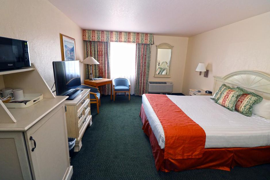 Top-Rated Morro Bay Hotel Near Morro Rock under $100—Free Cancellations!