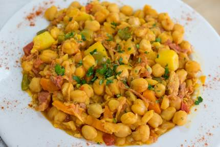 Ropa Vieja is made with chickpeas in Tenerife
