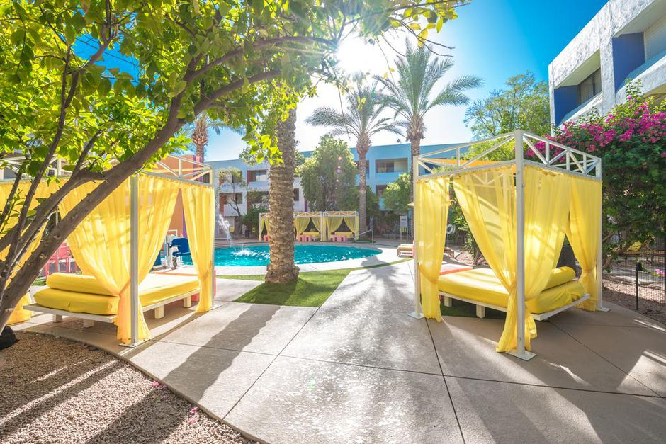 Trendy Hotel Near Phoenix from $60 With Flexible Booking - 2