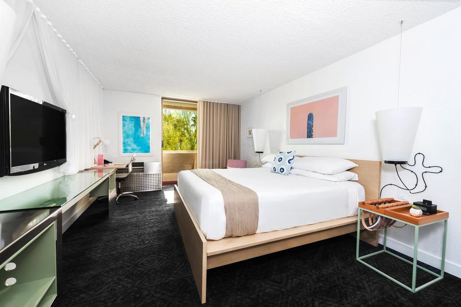 Trendy Hotel Near Phoenix from $60 With Flexible Booking - 4