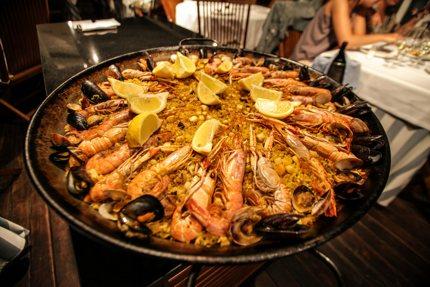 An image of paella