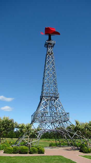 Paris Without a Passport! Eiffel Tower Replicas around the US - 4