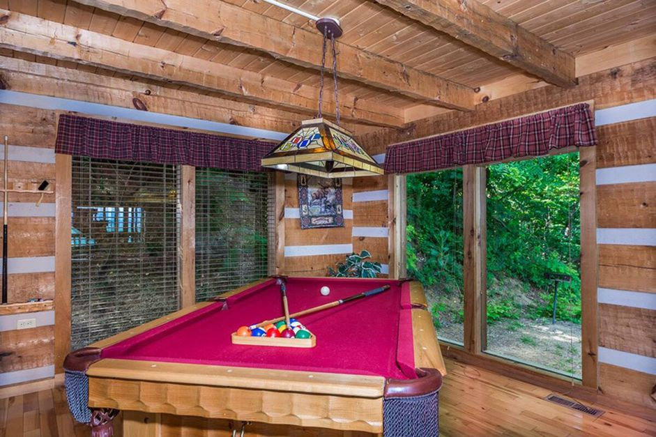 Secluded Stay in the Great Smoky Mountains from $74—Hot Tub, Fireplace, & Top Views!