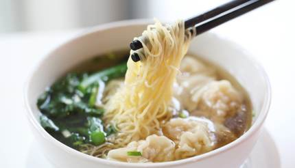 Wonton with Cantonese style thin egg noodles